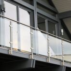 Glaseksperten går forrest med garanti mod delaminering på glasværn med frie kanter